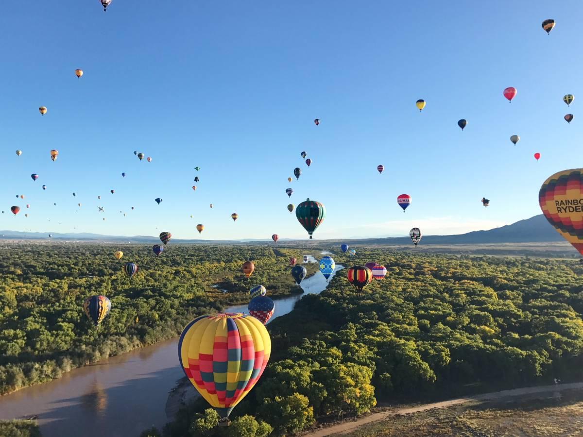 Balloon-Fiesta-mass-ascension